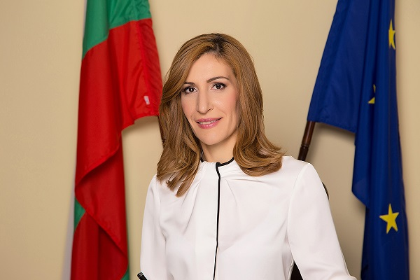 Minister Nikolina Angelkova: I hope for 40,000 to 50,000 Chinese tourists in Bulgaria this year