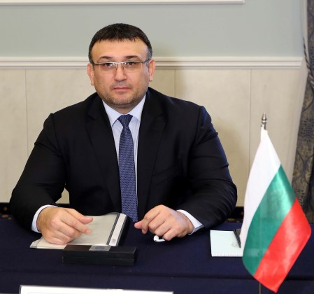Minister Mladen Marinov: Investigative police officer detained in Blagoevgrad on suspicion of information leak